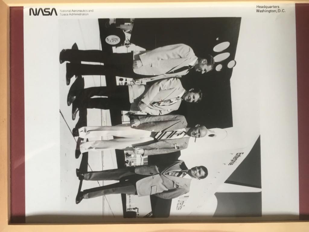 A vendre Photos N.A.S.A 1976 équipe Star Trek  8fbdc110