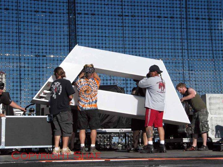 Comment on construit une triade pour la scène de 30 Seconds To Mars ? 00810
