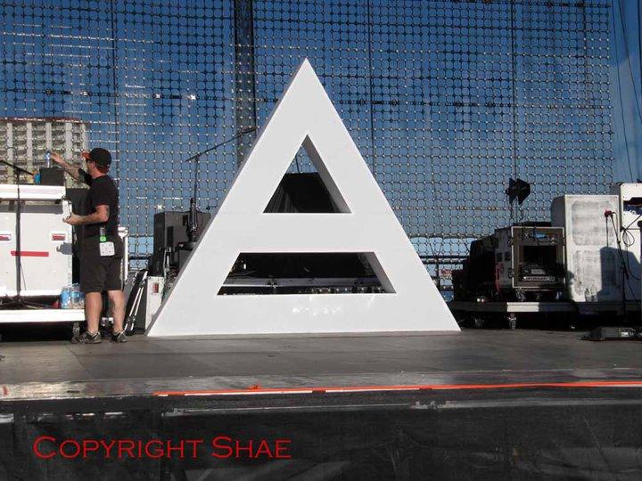 Comment on construit une triade pour la scène de 30 Seconds To Mars ? 01110