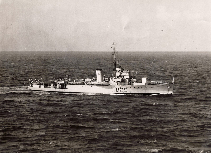 Divers : Algerine class minesweeper + PLAN et monument - Page 2 Hsm_ly11