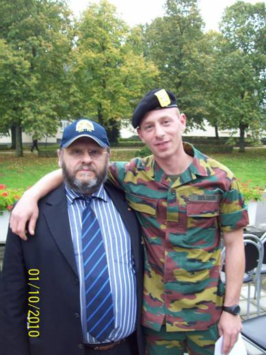 Remise des bérets à Stockem le 1er octobre 2010 Josue_20