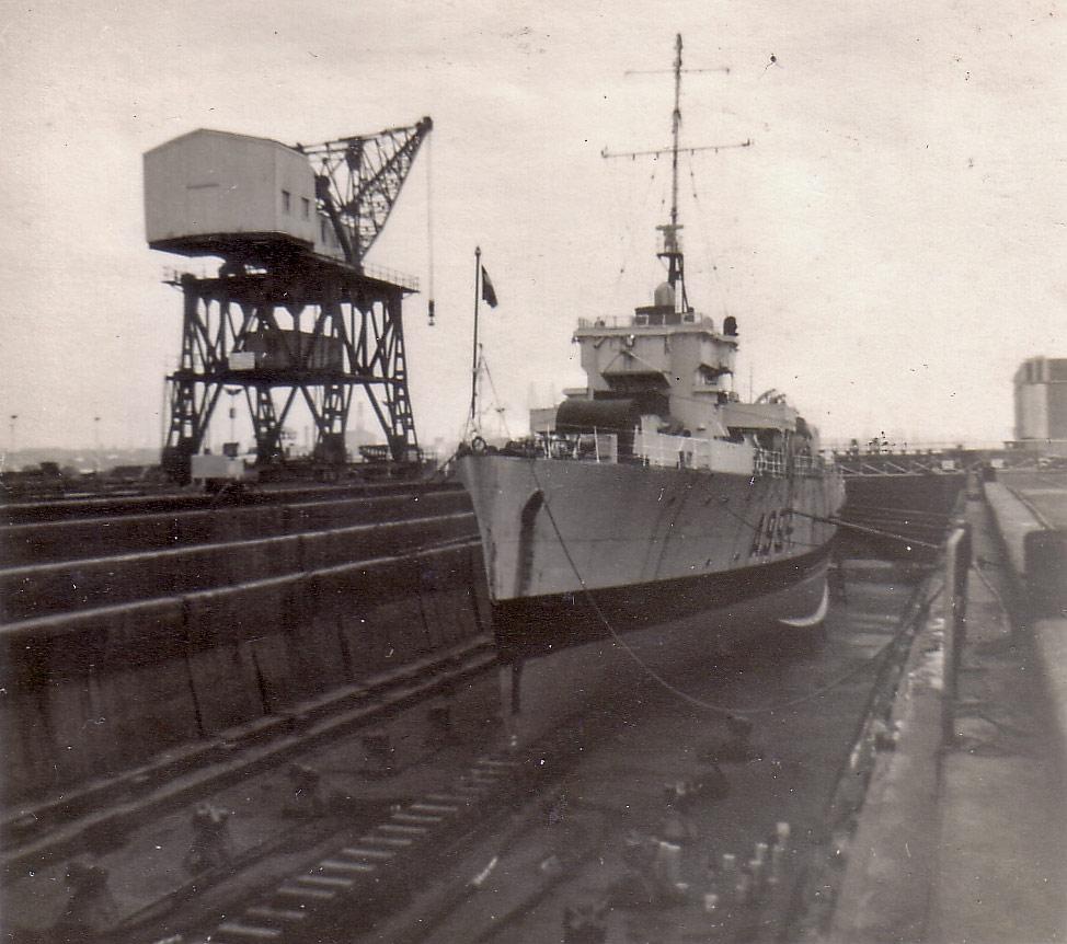 M900 / A954 Adrien De Gerlache (ex HMS Liberty) - Page 6 Schep_15