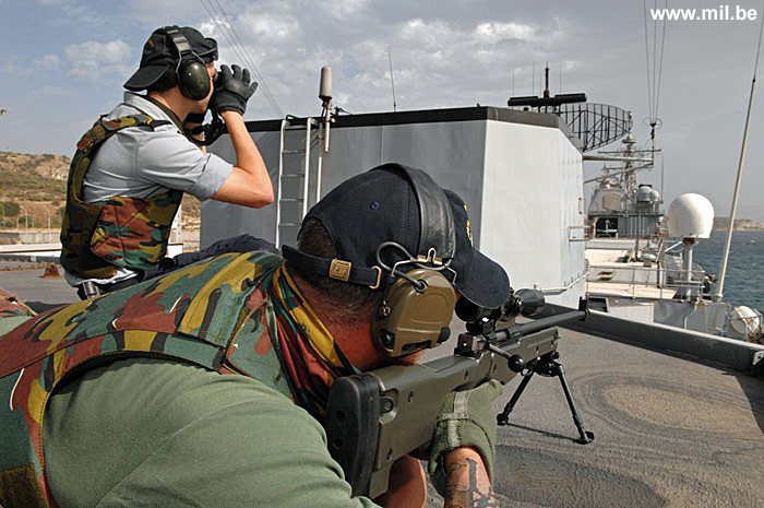 Dossier : le matos du LOMA pour l'action contre les pirates Schiet15