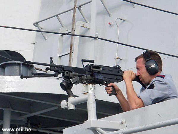 Dossier : le matos du LOMA pour l'action contre les pirates Schiet21
