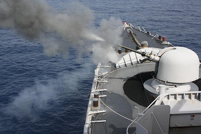 Dossier : le matos du LOMA pour l'action contre les pirates Tir-7611