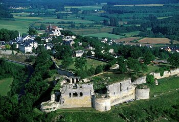 Châteaux forts Coucy210