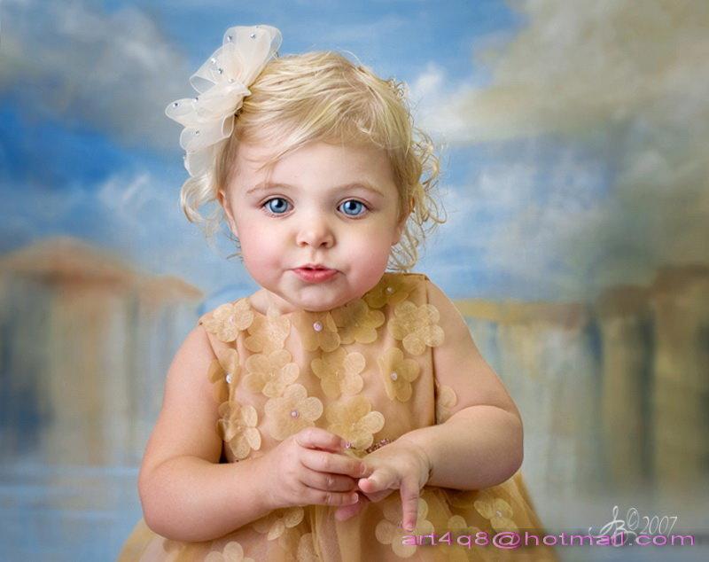 الطفله التي تشبه الدمية Pic11910