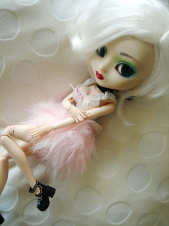 [La boite à poupées de SweetP.] Eryn et Faustine p.2 Dsc04210