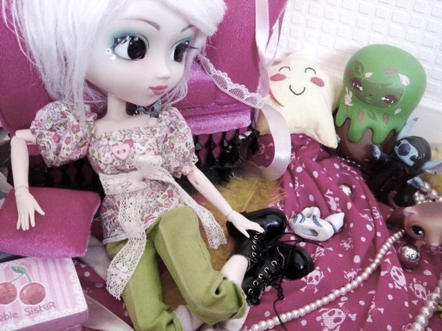 [La boite à poupées de SweetP.] Eryn et Faustine p.2 - Page 2 Dsc08921