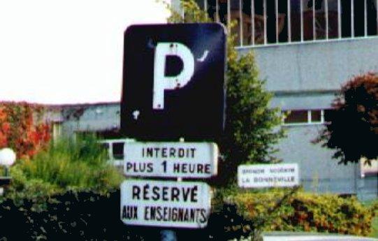 Les panneaux insolites Parkin10