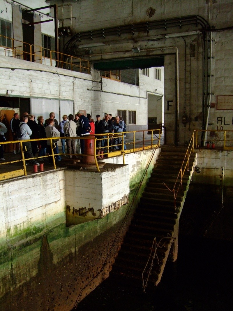 A visit to the U-Boat pens at Lorient 06810