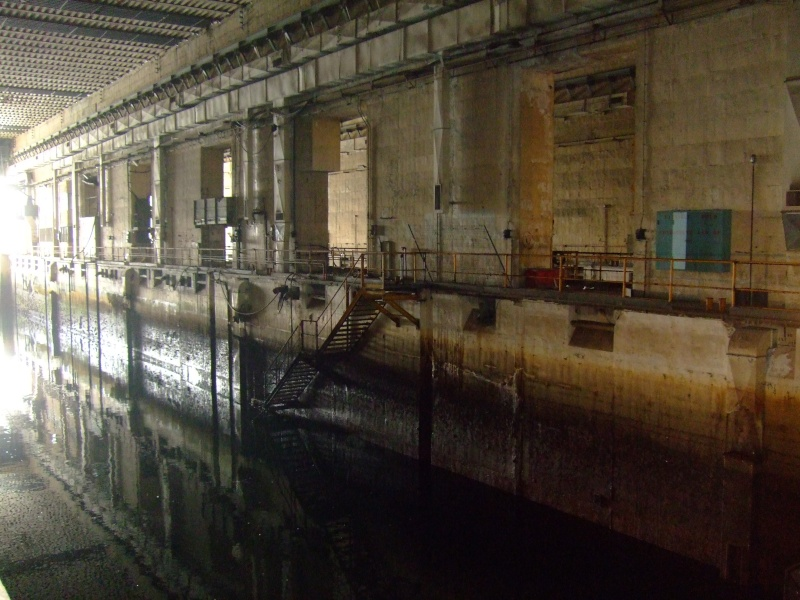 A visit to the U-Boat pens at Lorient 07210
