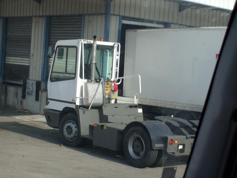 Les camions de manutention Terberg et Mol. S7300812