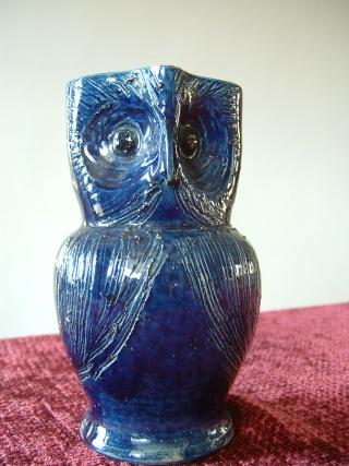 Farnham Pottery (Surrey) 00316
