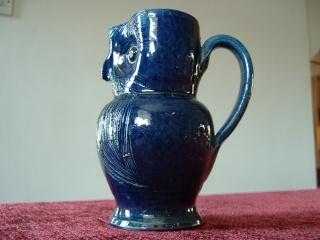 Farnham Pottery (Surrey) 00620