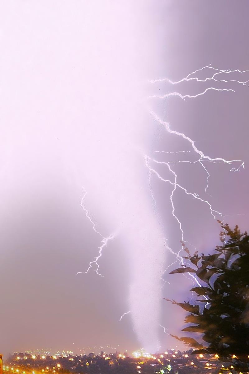 orage dans les monts dor   (LYON) Orage_10