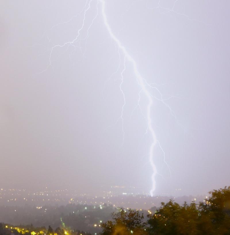 orage dans les monts dor   (LYON) Orage_12