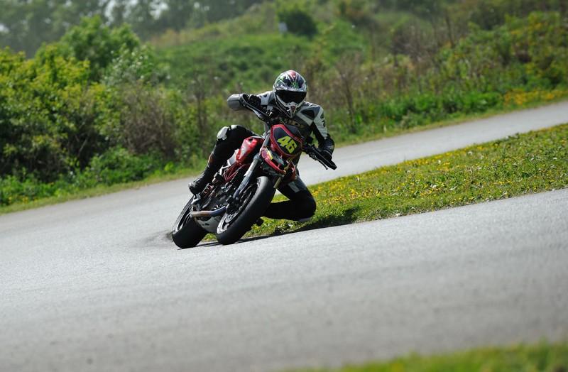 Ducati à l'attaque Dsc_0816