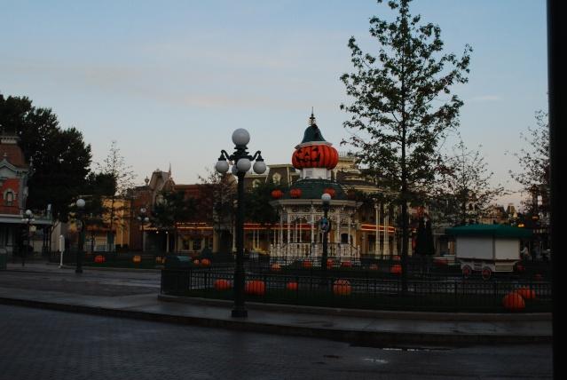 Halloween 2010 à Disneyland Paris (2 octobre au 1 Novembre) - Page 3 Dsc_0011