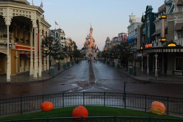 Halloween 2010 à Disneyland Paris (2 octobre au 1 Novembre) - Page 3 Dsc_0012