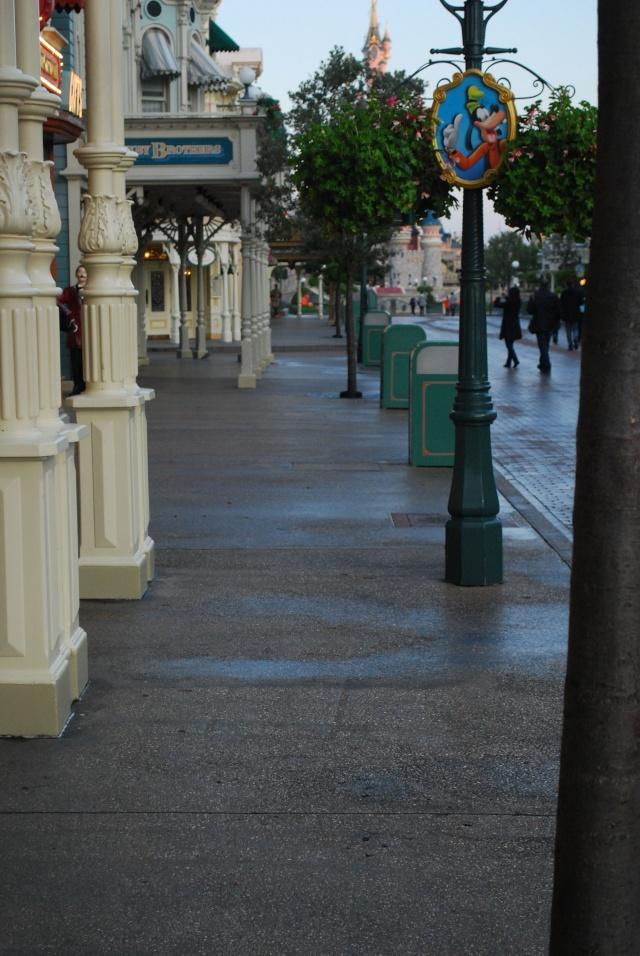 Halloween 2010 à Disneyland Paris (2 octobre au 1 Novembre) - Page 3 Dsc_0013