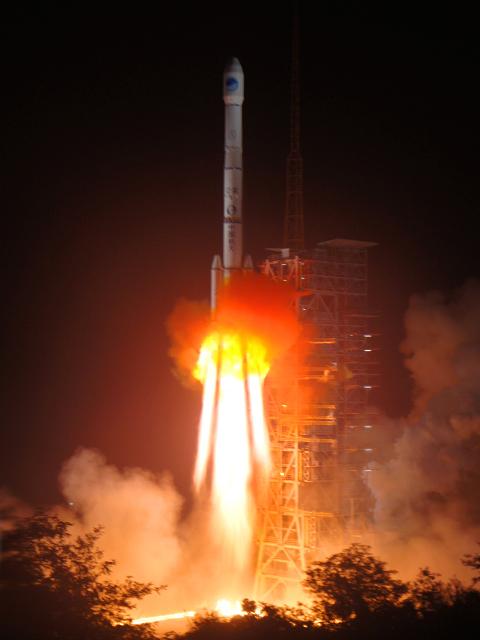 [Chine] Lancement LM-3C / COMPASS 2 - GEO 4 (le 01 Novembre 2010)   310