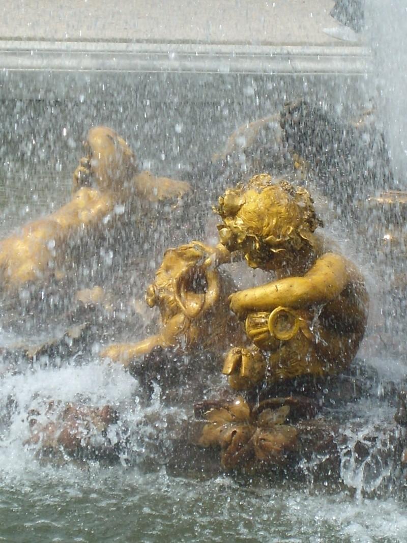 La statuaire dans les jardins de Versailles Cannot24