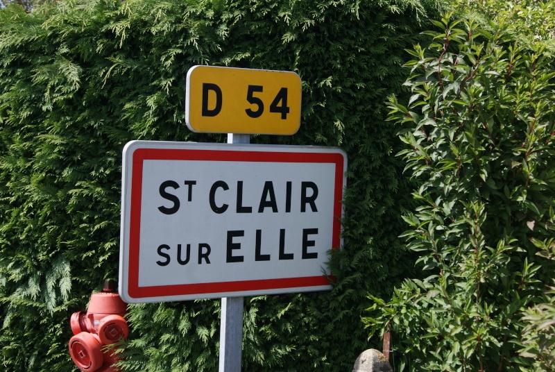 Monument WW2 - St-Clair-sur-Elle ( Normandie ) Dsc06213