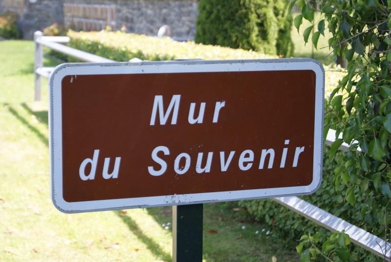Monument WW2 - St-Clair-sur-Elle ( Normandie ) Dsc06214