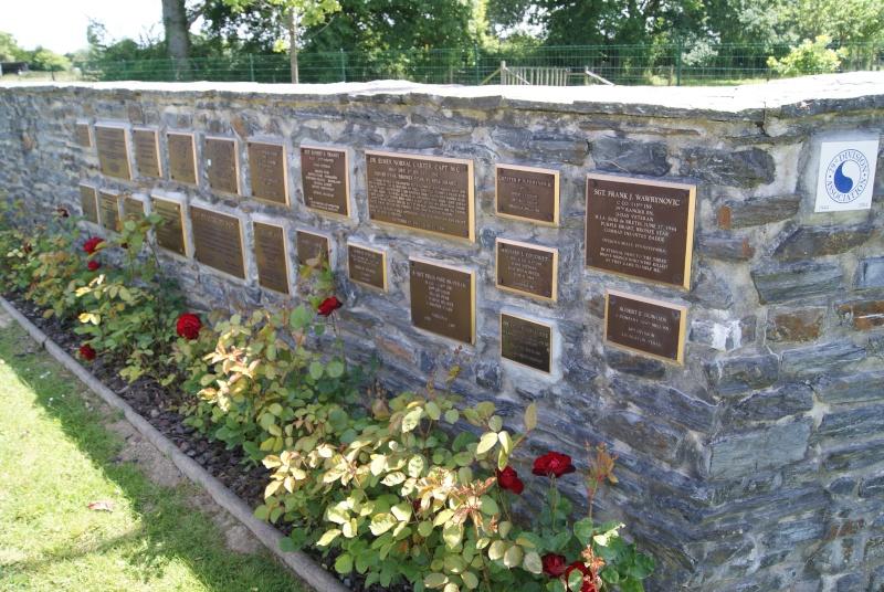 Monument WW2 - St-Clair-sur-Elle ( Normandie ) Dsc06217