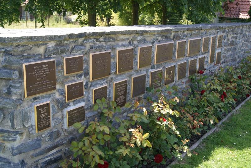 Monument WW2 - St-Clair-sur-Elle ( Normandie ) Dsc06218