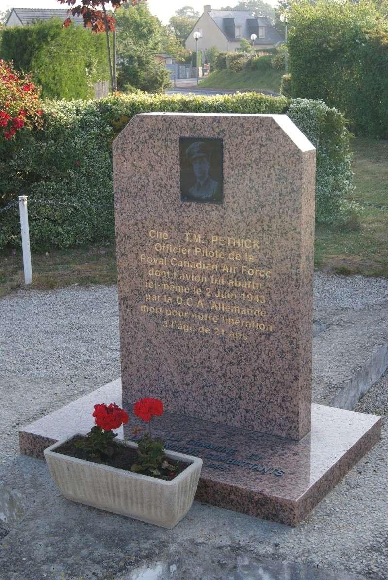 Monument WW2 - Airel ( Normandie ) Dsc06317