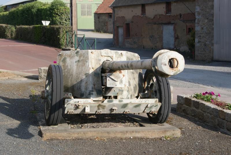 Monument WW2 - Le Dezert ( Normandie ) Dsc06324