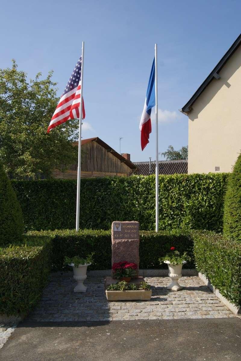 Monument WW2 - Sainteny ( Normandie ) Dsc06331