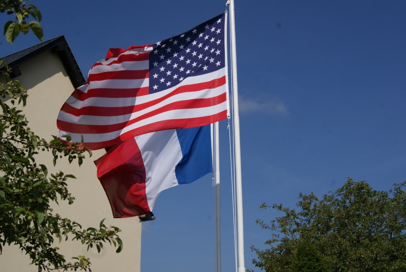 Monument WW2 - Sainteny ( Normandie ) Dsc06334