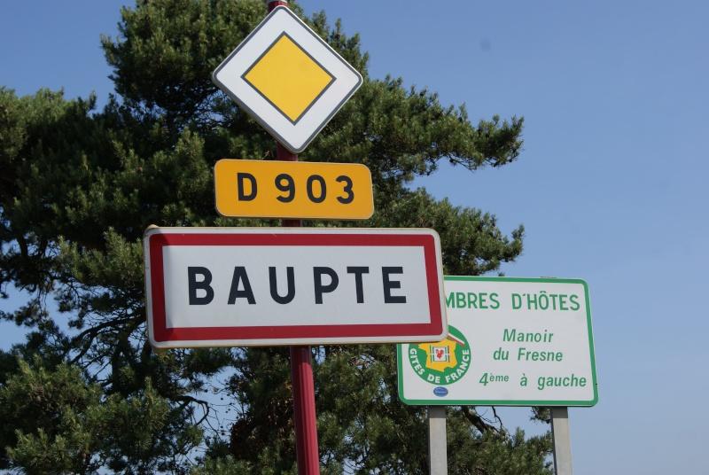 Monument WW2 - Baupte ( Normandie ) Dsc06340