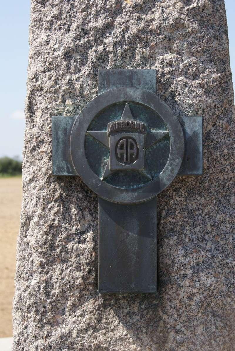 Monument WW2 - Magneville ( Normandie ) Dsc06351