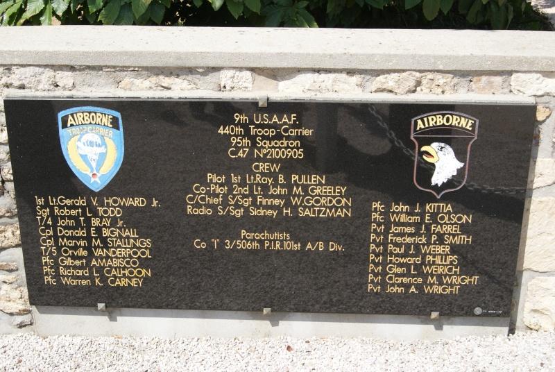 Monument WW2 - Magneville ( Normandie ) Dsc06352