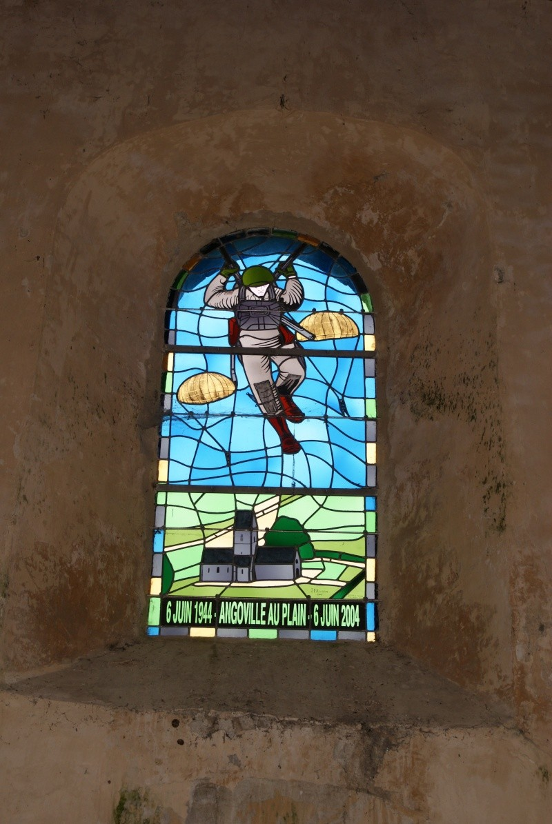Monument WW2 - Angoville au Plain - Stèle 101nd AB. Jeepy_28
