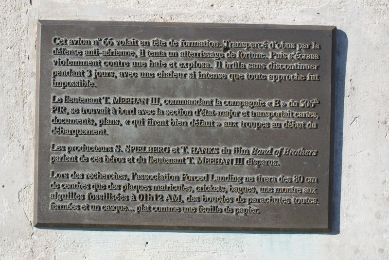 Monuments WW2 - Beuzeville-au-Plain - Stèle USAAF & 101nd AB. Jeepy_42