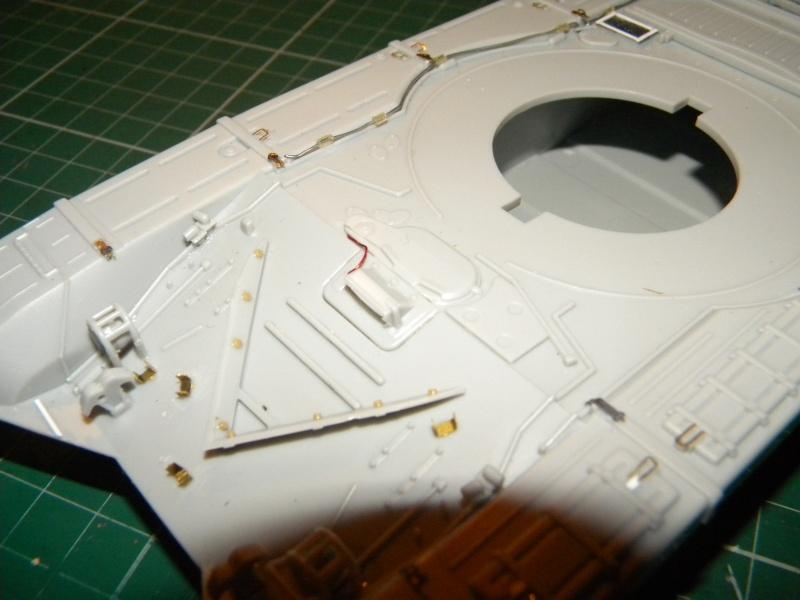 T-72 montage terminé - Page 2 Tr72m_13