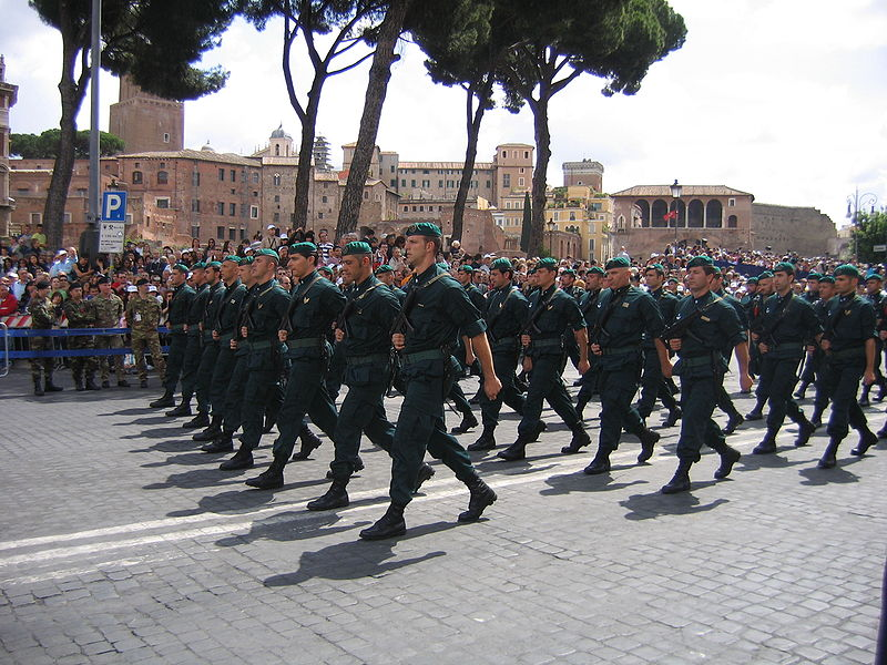 Italian COMSUBIN Green Uniform 800px-10