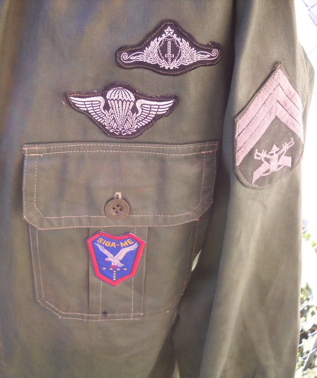 Brazilian Shirt - Help Identifying Badges Dscn1518