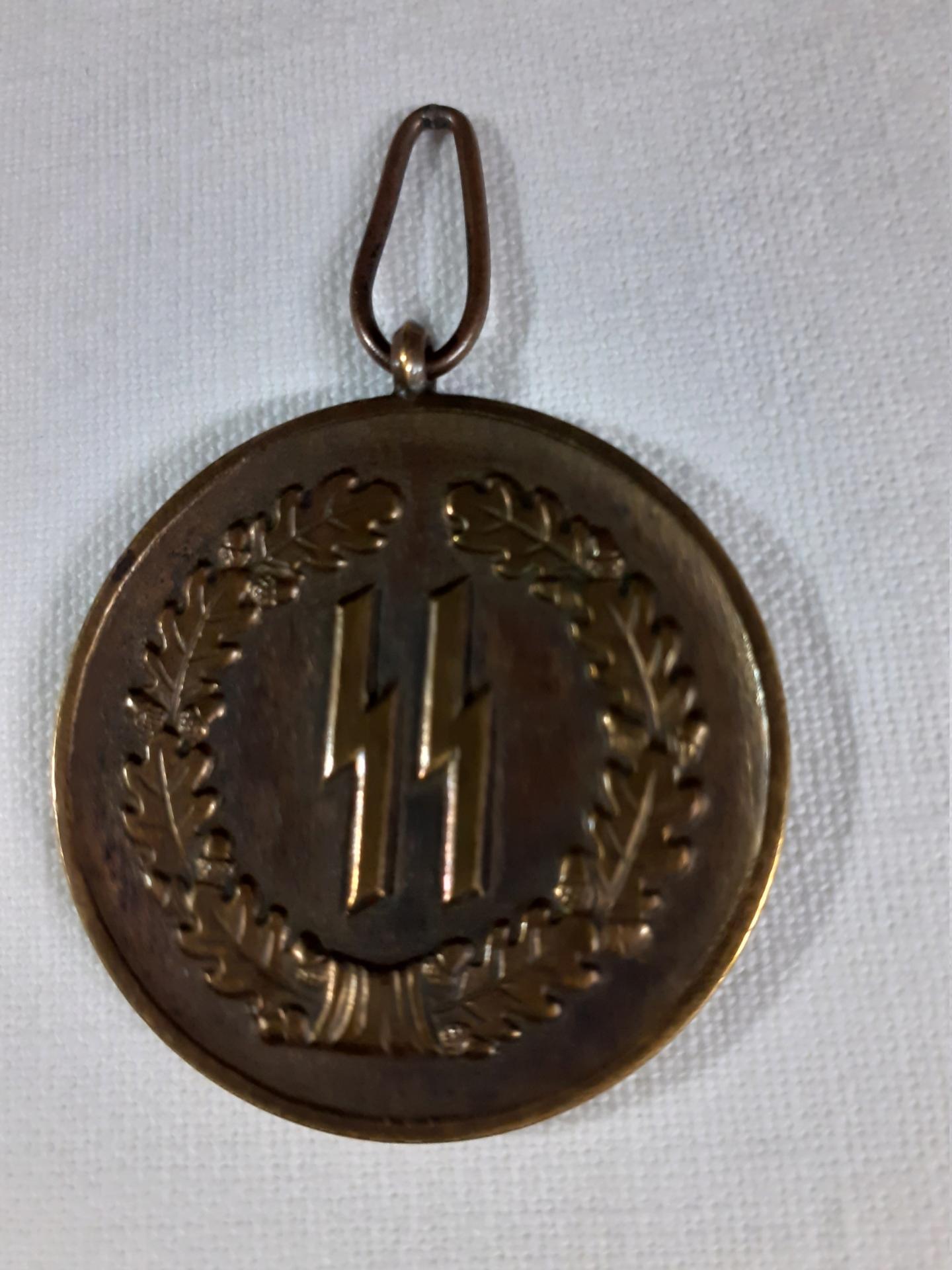 Médaille 4 ans de services dans la SS? 20210816