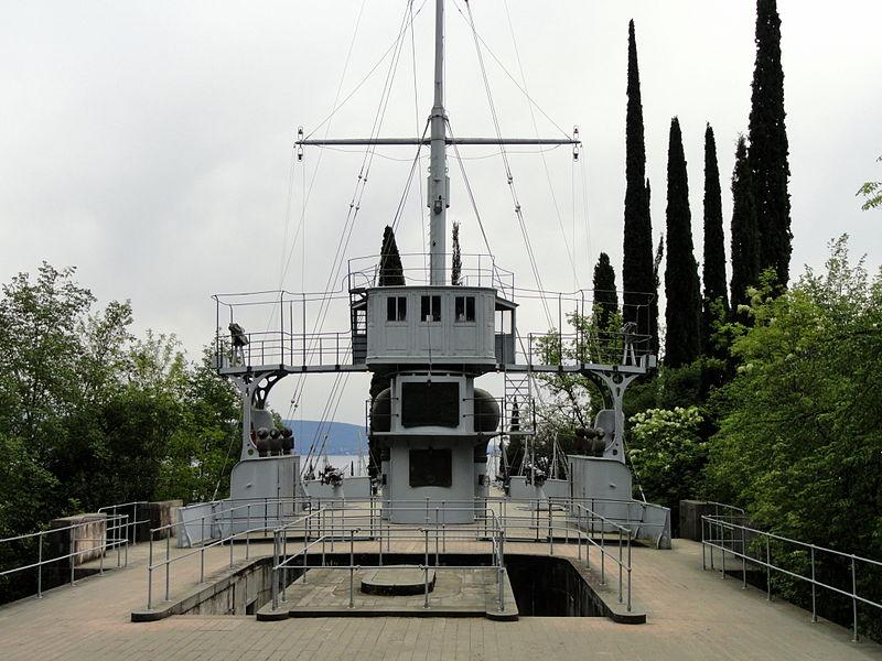 Le croiseur dans les montagnes de Gabriele d'Annunzio. 800px-13