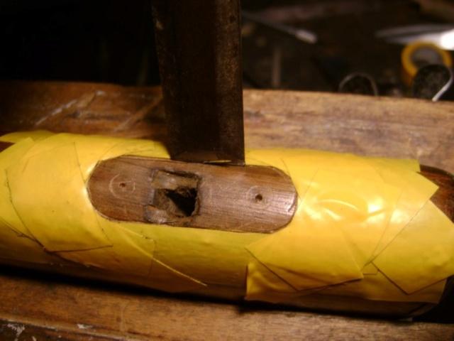 Encastrer une épinglette de garniture. Dsc03924