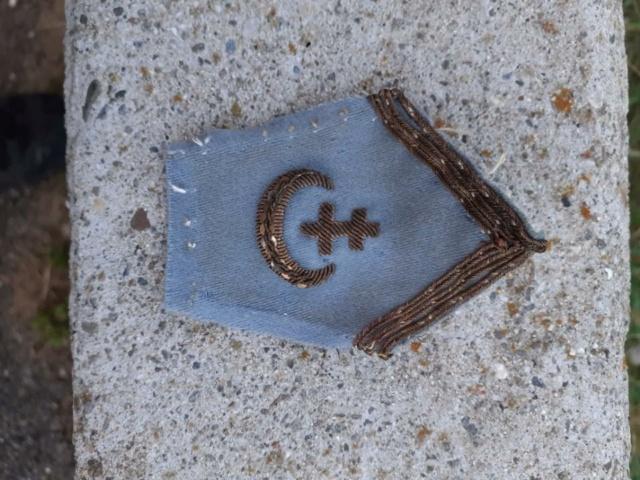 Ecusson de col à croix de Lorraine. Resize11