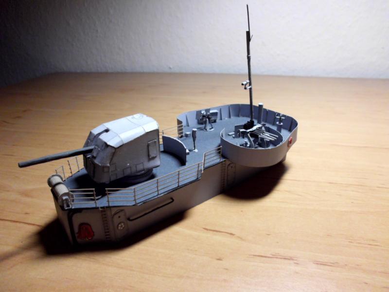 """Zerstörer """"Bristol"""" vom YG-Verlag 1:100 gebaut von Herbert Dsci9619"""