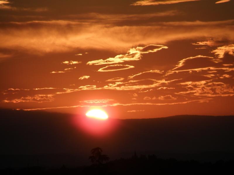 Lever de soleil sur les Alpes  Marcla32