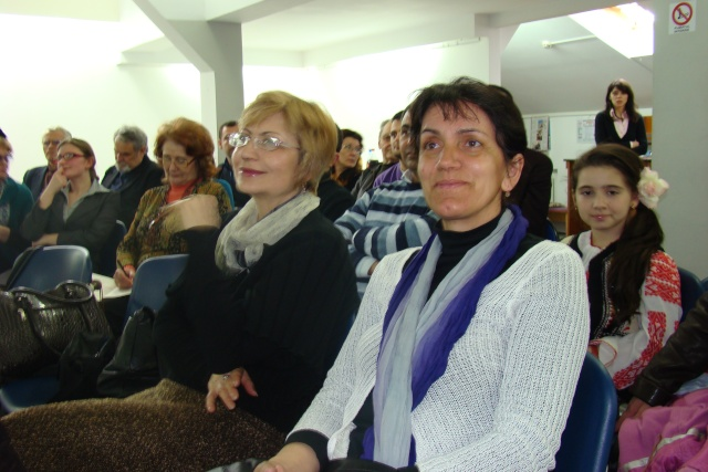 """Lansare de carte-""""Pe muchia instabila dintre existenţă şi neant"""" -Valentina Becart Becart25"""